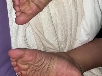 Bbw Latina sends clips of her soles