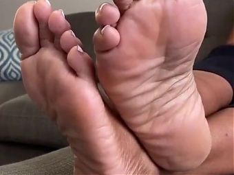 Friend mom feet soles