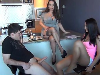 Men lick pantyhose & footjob