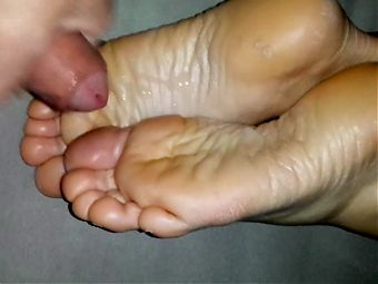 Cum on girlfriends feet soles compilation