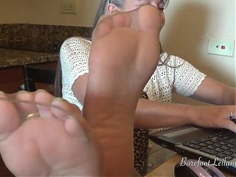 Milf Office Dangle n Tease in Pantyhose