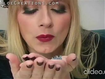 FEETLADY GIANTESS FOOTGIRLS